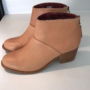 Toms Leather Boots Sandstorm EUC